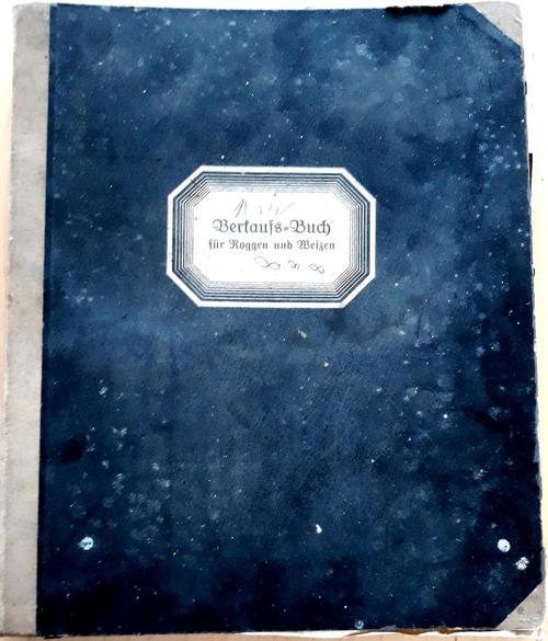 Altes Buch mit blauem Einband