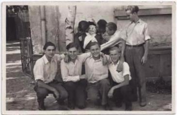 Gruppe junger Männer