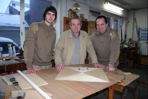 Foto mit drei Menschen
