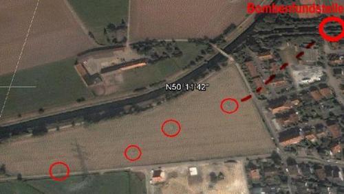Luftbild von Gronau mit Markierung der Fundstelle und weiteren Markierungen
